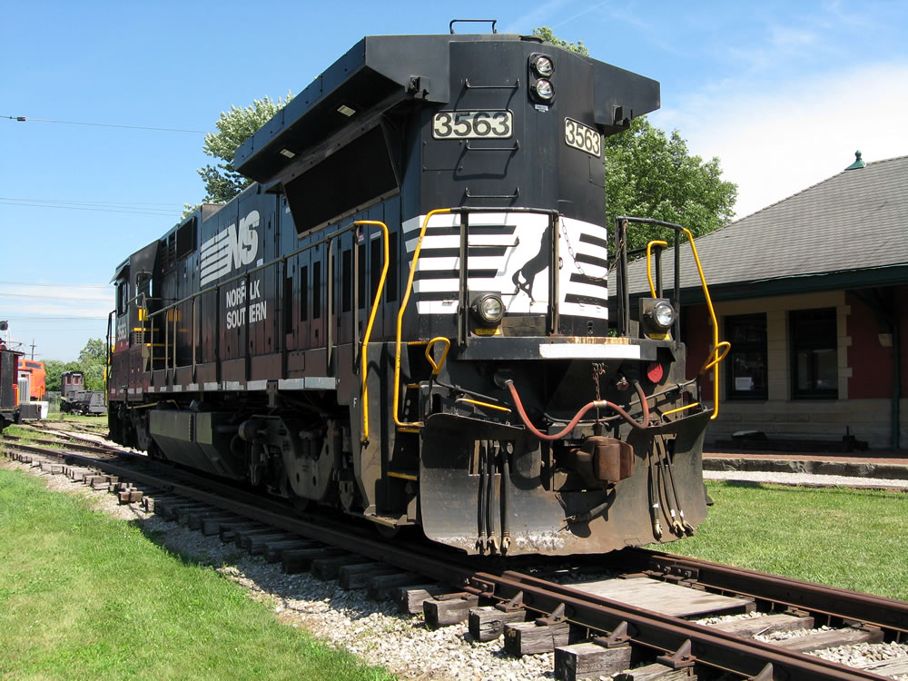 Norfolk Southern 3563 GE Dash 8