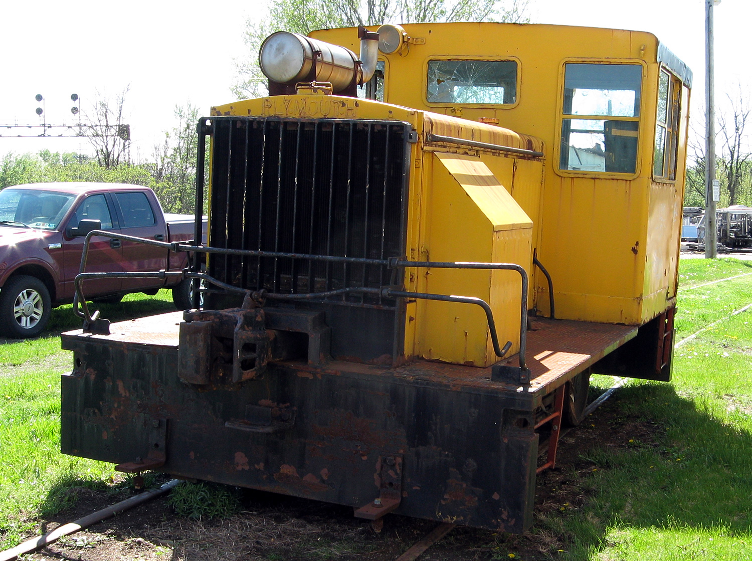 Plymouth JHG arrives at Lake Shore Railway Museum