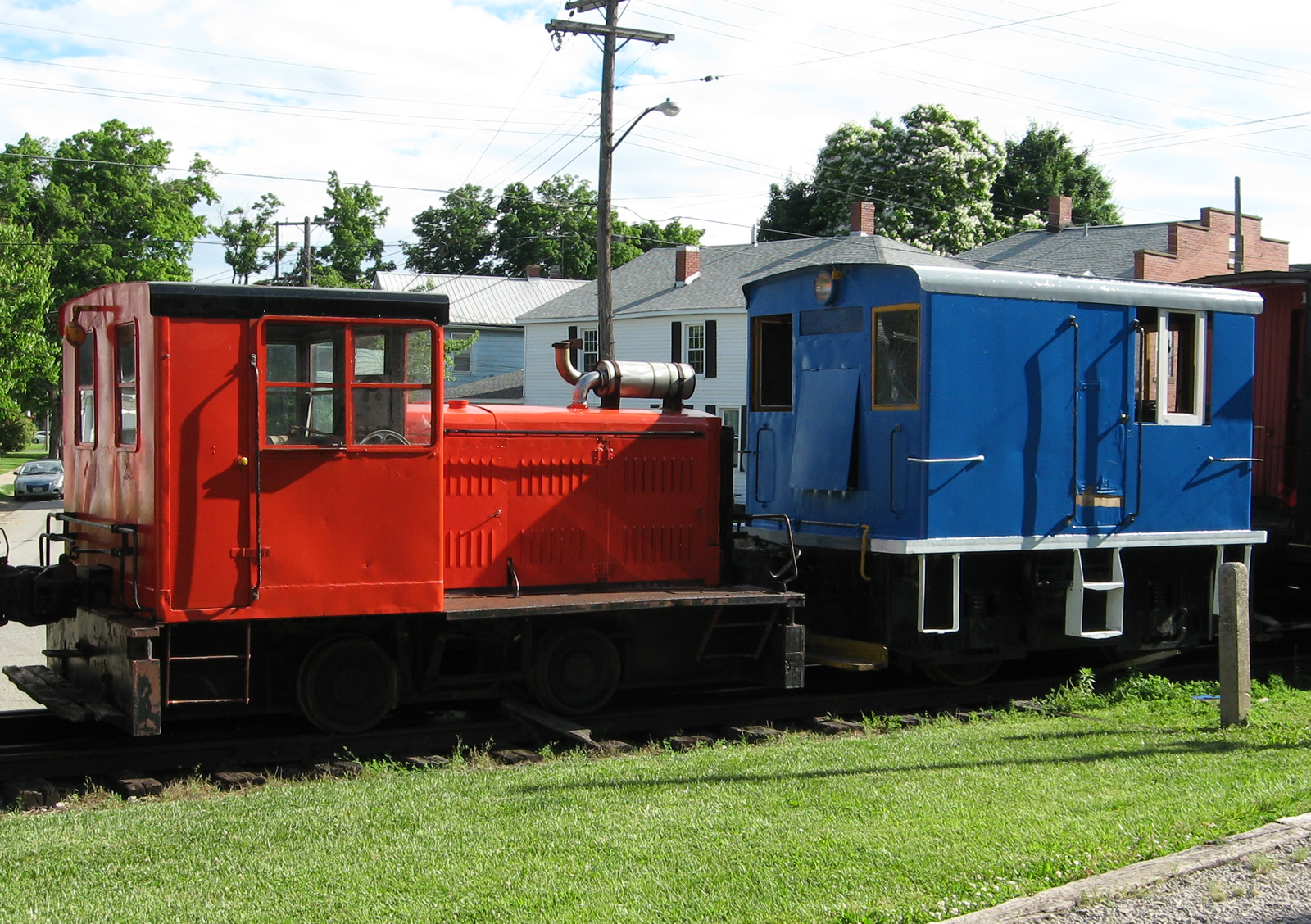 The Plymouth in red and the GE in blue