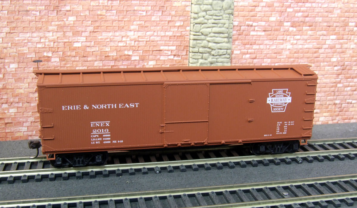 Brand new 2016 Lake Shore Railway HO scale boxcar